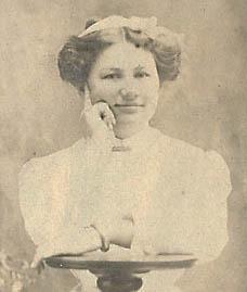 28b. Bess Embree, 1909