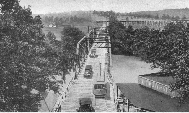 3a. Streetcar crossing the Chattahoochee River Bridge