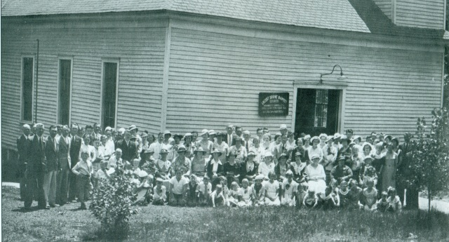 13 Members of the Locust Grove Church, Oakdale, in 1935