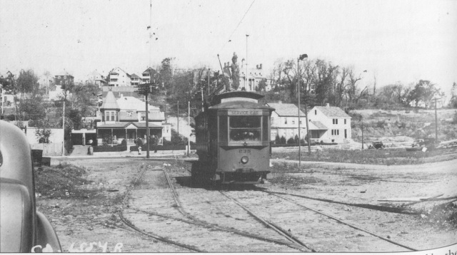 2. Streetcar Turning around in Oak Square