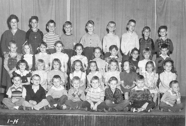 22 First Grade Class, Smyrna Elementary School, Maria Mitchell, teacher, 1944