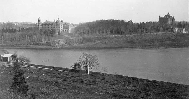 View across Chaandler's Pond showing Chandler House