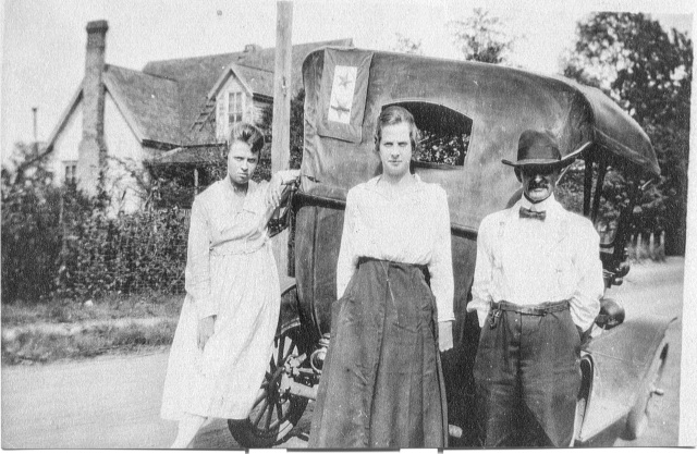9.McBrayer family with automobile