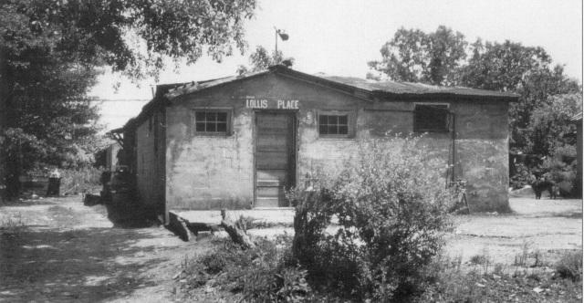 19. Hollis Cafe, 151 Davenport St., Davenport Town